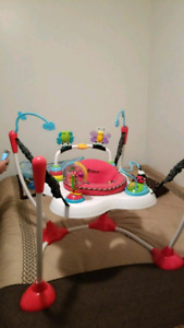 Baby bouncing activity center
