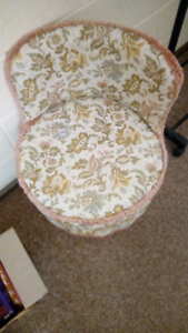 Bedroom cushioned seat