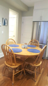 Oak Dining table and chairs with placemats