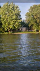 COTTAGE FOR RENT ON LAKE SIMCOE 15 MIN NORTH OF BARRIE