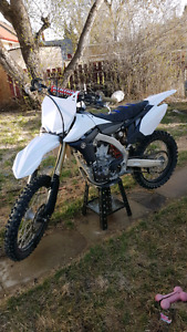 2013 yamaha yz450f trade for sports car or SUV!