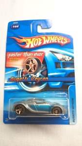 HOT WHEELS BUGATTI VEYRON ULTRAFAST WHEELS DIE CAST 2006 MINT