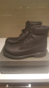 Brand New Timberland Smooth Black Classic Boots In Size 10