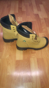 AGRESSOR STEEL TOED BOOTS SIZE 12's