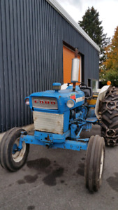 Tracteur Ford 4000