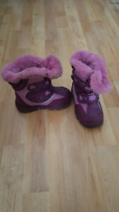 Girls size 9 cougar winter boots