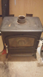 Gravity fed oil stove