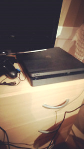 PS4( Sony PlayStation 4th gen 1 terabyte hard drive)