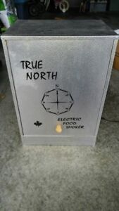 SMOKER - ELECTRIC TRUE NORTH, EXCELLENT CONDITION, BARELY USED
