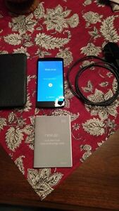 (UNLOCKED) 16GB LG NEXUS 5 INCLUDES CHARGER + CASE