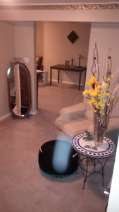 *** 1 BDRM & DEN available immediately!!!***