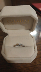 Real canadian diamond charm ring