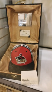 rare Signed Rogers Clemens Rocket collectible Hat with box