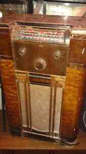 2 ANTIQUE TUBE STEREOS