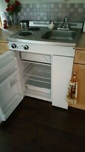 Danby Compact Kitchen Unit (Salmon Arm)