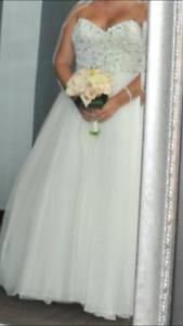 Wedding dress-Designer Maggie Sottero