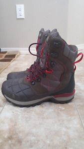 Girls/Ladies Northface boots size 5