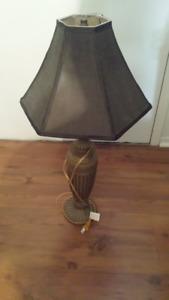 2 Lampes de tables + 5 Globes antique