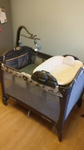 Graco pack & play playpen (playard)