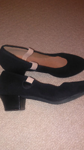 Bloch character shoes size 5