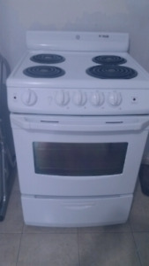 """24""""Stove White Electric Ge one yr old"""