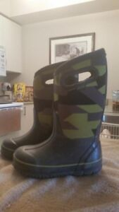 BOYS WINTER BOG BOOTS