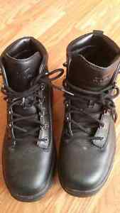 Men's Nike boots never worn