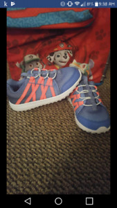 Carter running shoes brand new size 12