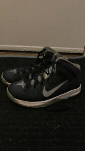 Girls Nike basketball shoes size 6