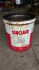 Vintage Sinclair motor oil pail with wooden  handle