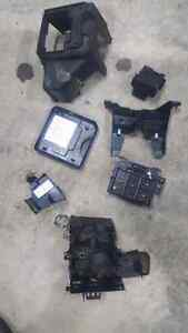 Various parts off a 2003 to 2006 chev avalanche Kingston Kingston Area image 9