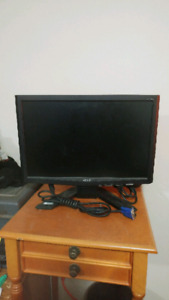 """17"""" Acer Computer Monitor"""