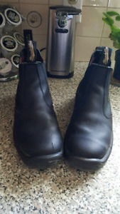 LADIES LEATHER BLUNDSTONE BOOTS