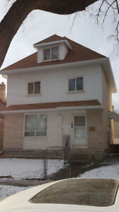 2 bedroom and den  house for rent near Health Sciences Centre