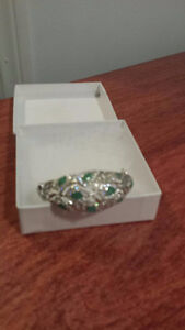 STUNNING EMERALD BRACELET-Ladies NEW (obo sale)
