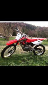 2001 XR 100 Honda Dirt Bike