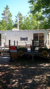 2005 35 ft Breckenridge Trailer, park model.