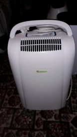 DEHUMIDIFIER 10LTRS very good condition as photos show collection only