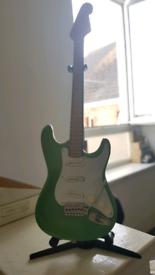 Baby guitar desk ornimant