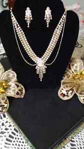 WEDDING?Brand New! Boxed Aurea Borealis necklace and earring set