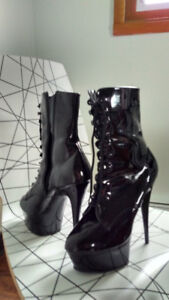 Boots - Size 8 1/2