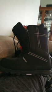 like new snowboard boots