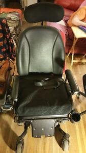Quantum 6000 Edge Electric Power Wheelchair new
