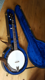 Banjo bundle -Ozark 5 string banjo - starter set | in Sutton