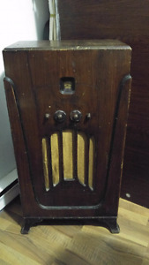 Vieille radio antique