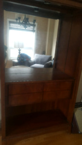 Free wood mirrored hutch