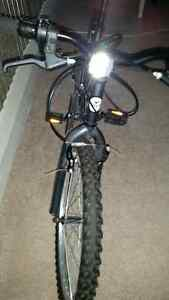 "24"" youth bike baught last summer hardly London Ontario image 3"
