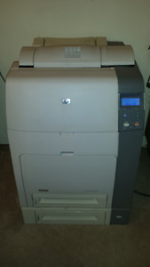 HP Colour Laserjet 4700dn with extra toners