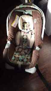 Graco snugride click connect infant car seat