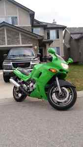93 ninja ZX600-E selling for bills